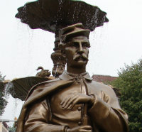 Statue of a Union soldier on the main square