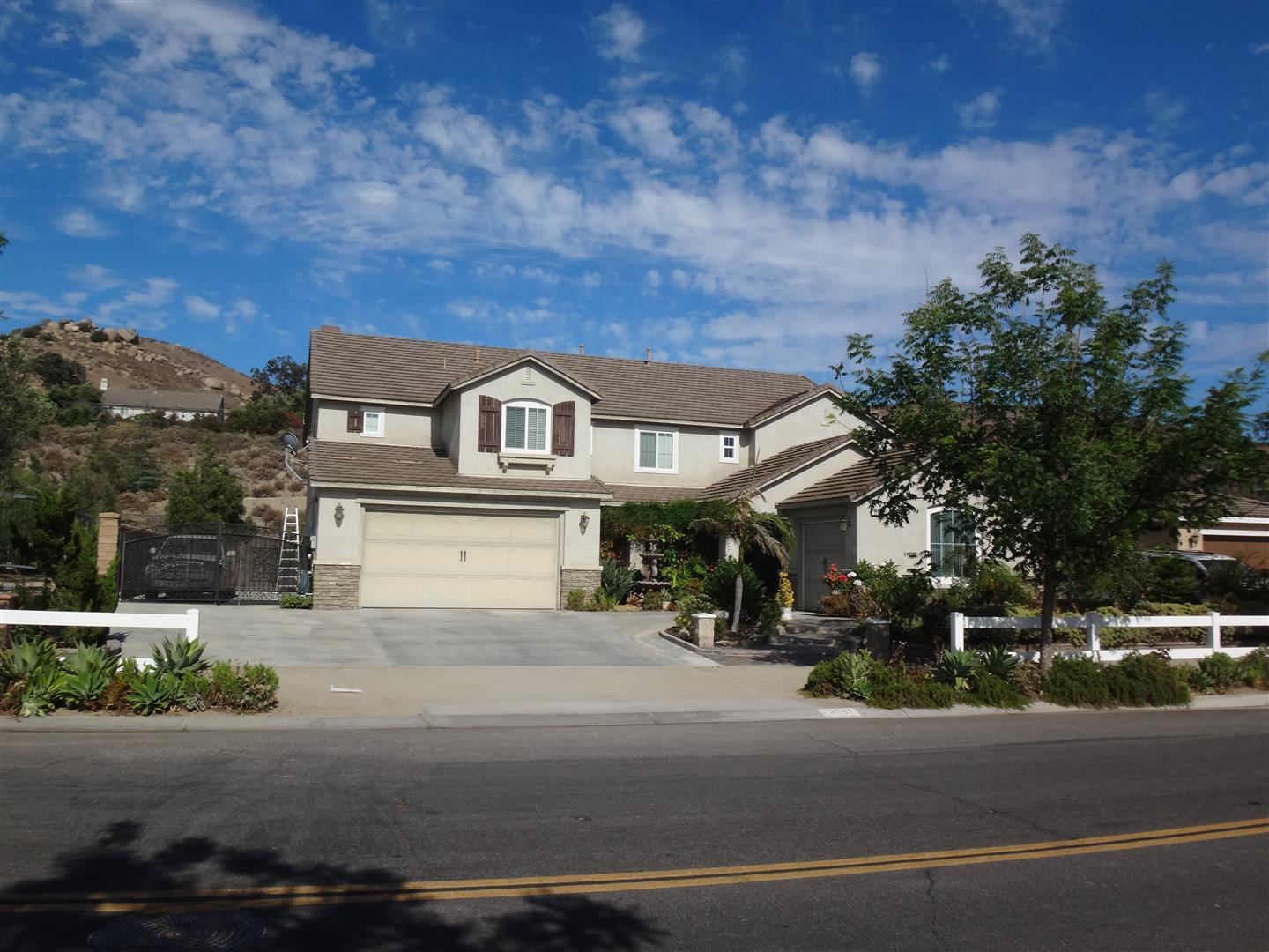 House In Norco Ridge Ranch
