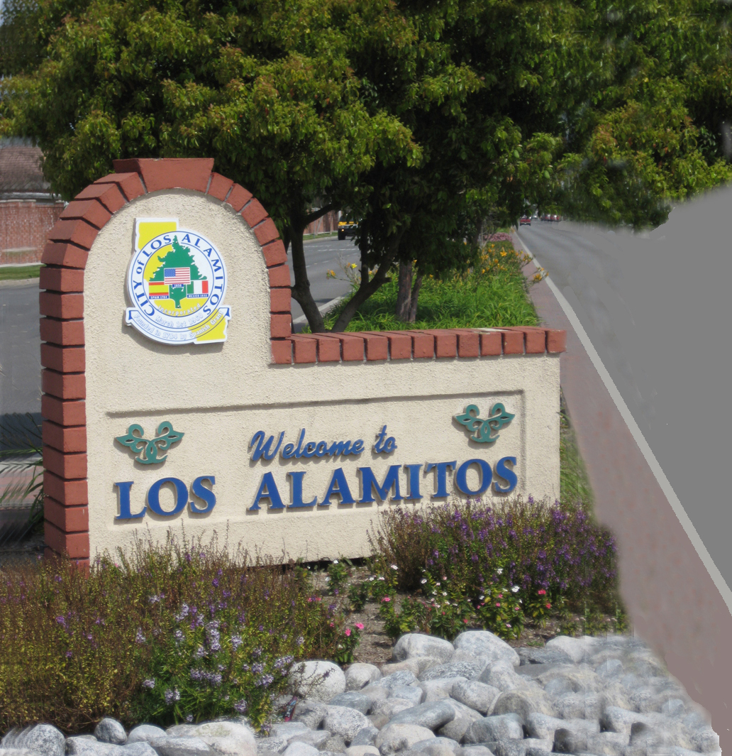 0 Los Alamitos Welcome Sign.jpg