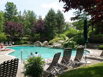 Pool at Four Seasons at Chester NJ