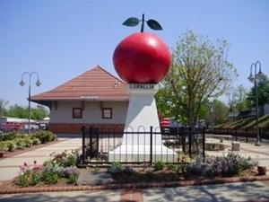 Cornelia Red Apple Festival