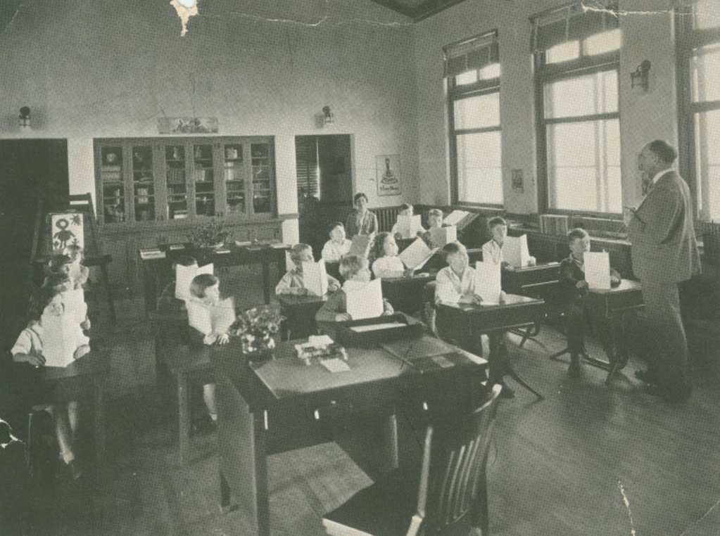 Classes in Gardner Building - 1926