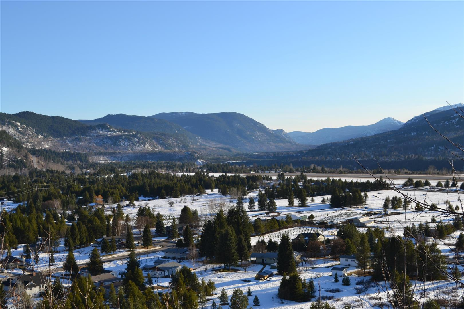 image of mountain view, Kootenay Valley, Castlegar, BC