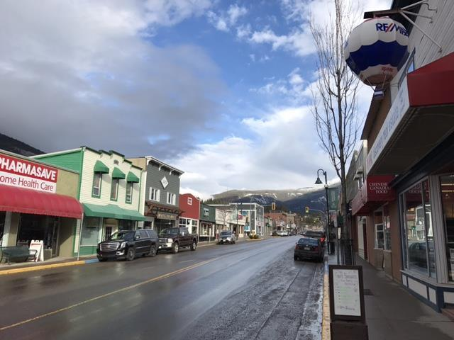image of downtown Creston, BC