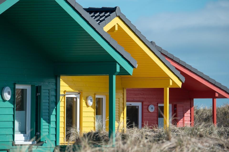 woodsidingcolorfulhouses.jpg