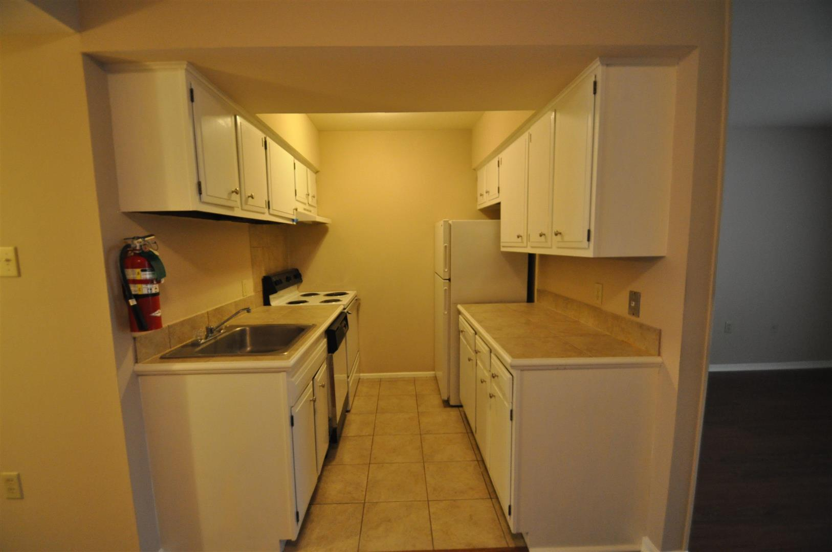 SG2106kitchen.jpg