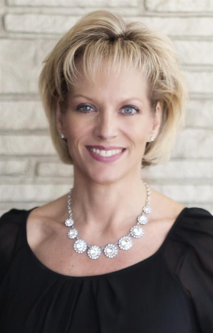 Charming Dana Johnson, REALTOR. RE/MAX ONE   BEAUMONT