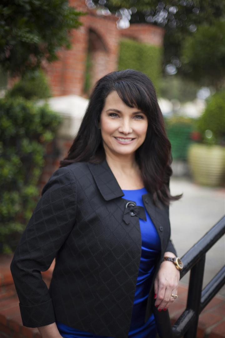 Michelle McClelland, Associate. RE/MAX ONE   BEAUMONT