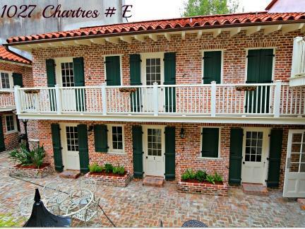 1027ChartresCourtyard,FrenchQuarterCondos.jpg