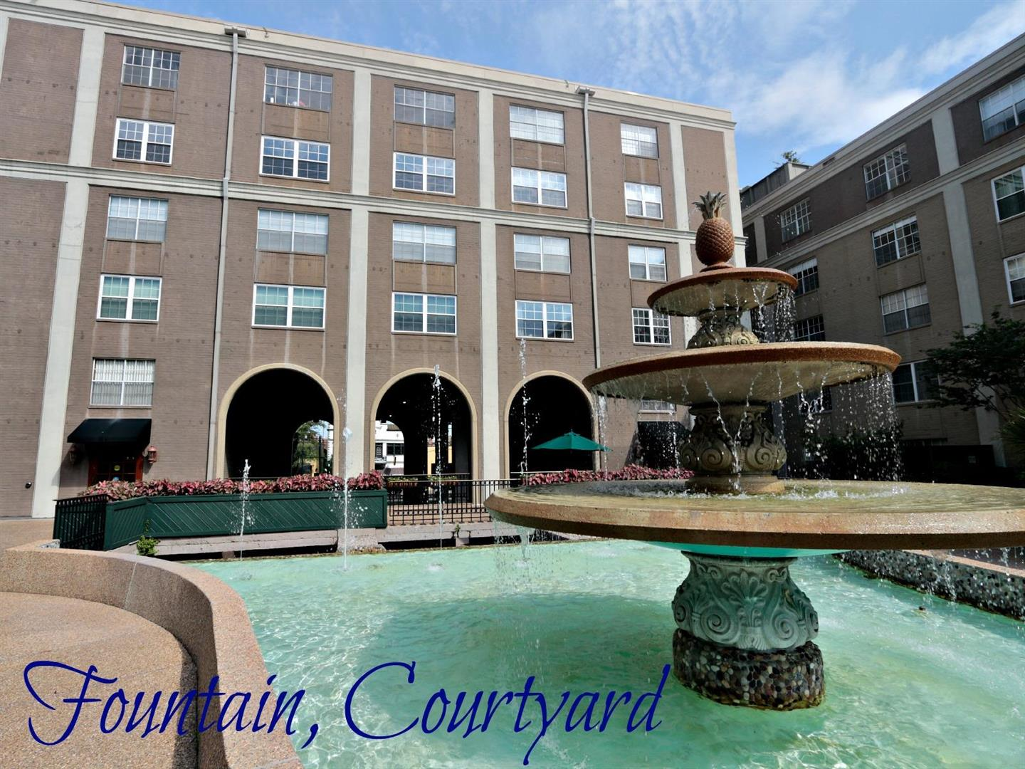 1750St.Charles639,FountaininCourtyard.jpg