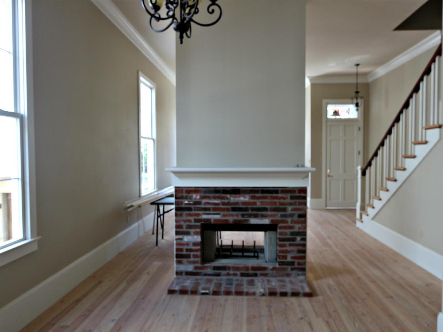3003RoyalStreet,FireplacetoDoor.jpg