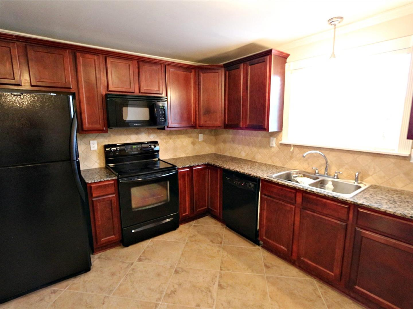3013Ridgelake203,Kitchen1.jpg