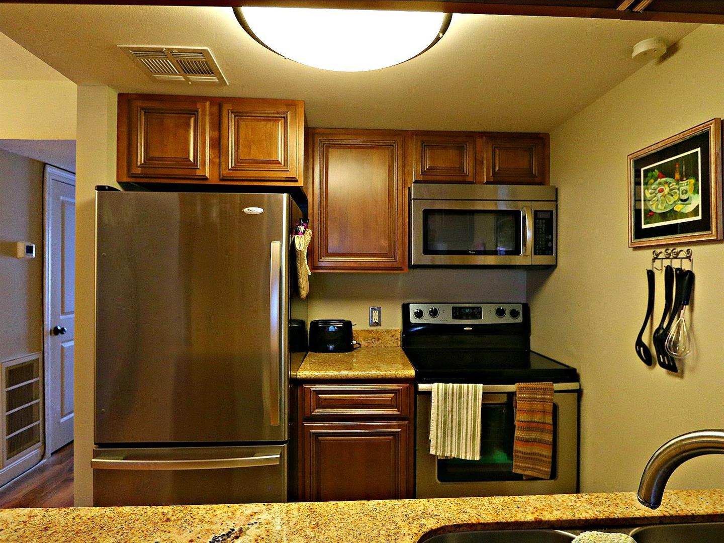3201St.CharlesAvenue115Kitchen.jpg