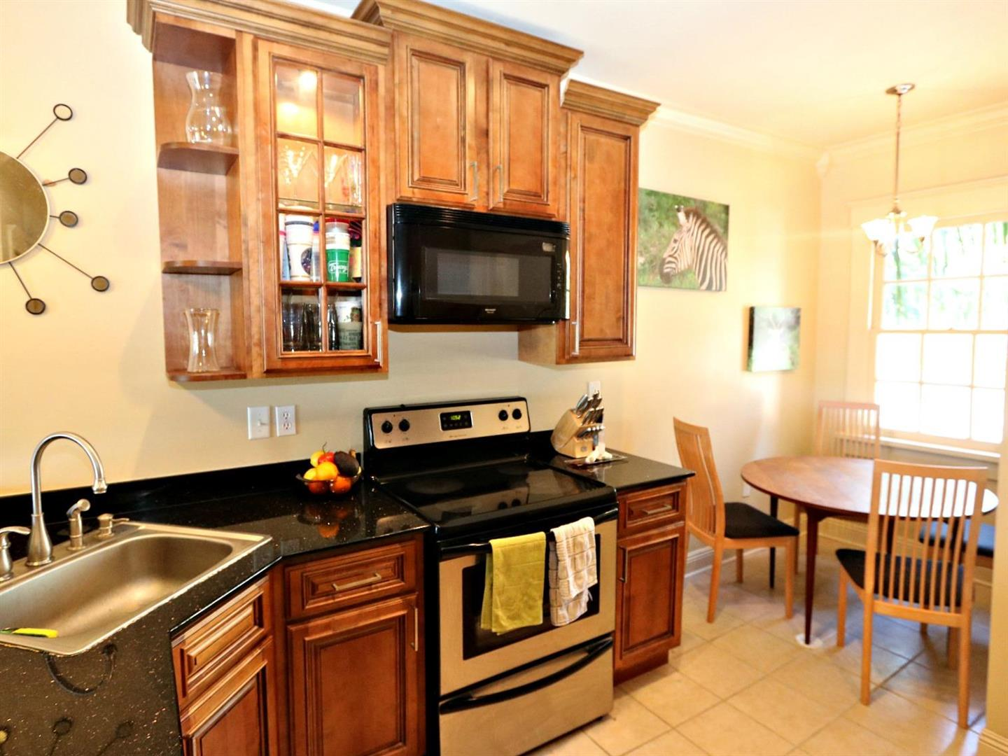 3322UpperlineCondo,BreakfastArea.jpg