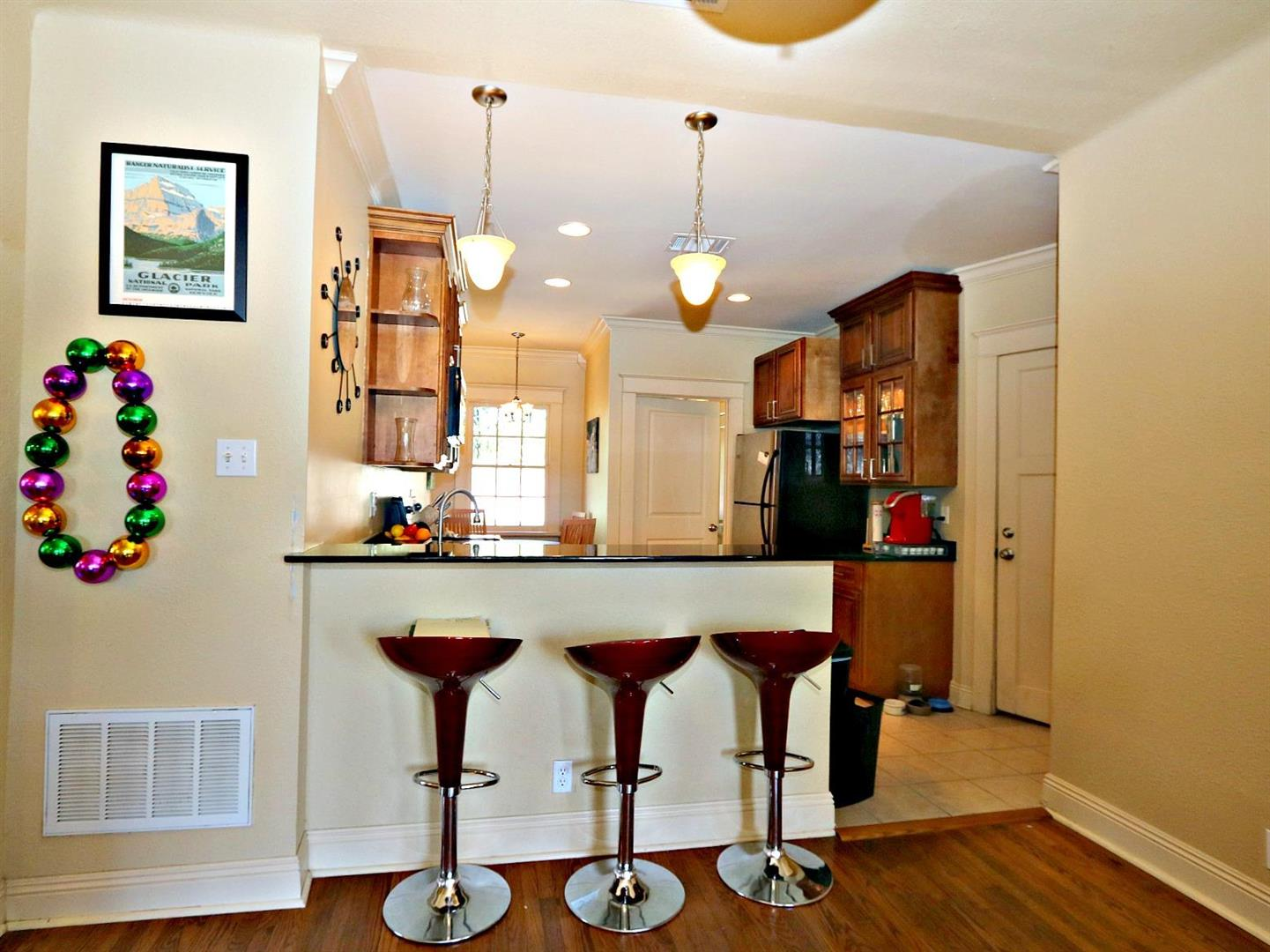 3322UpperlineCondo,DentoKitchen.jpg