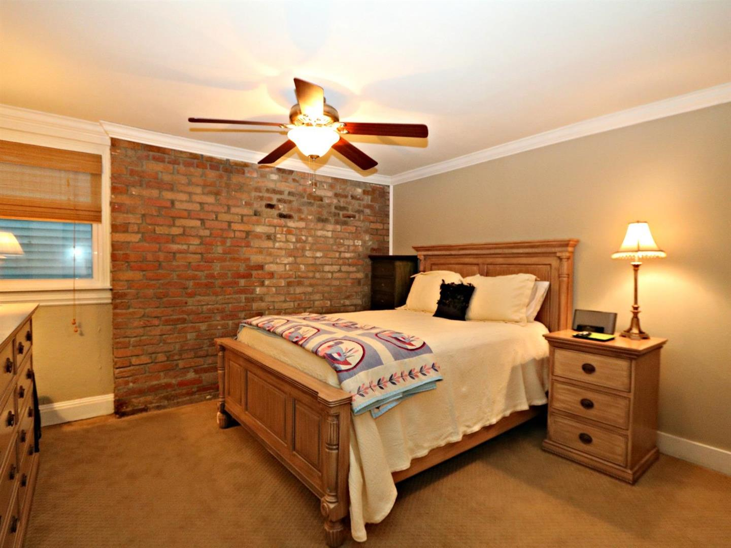 4716AnnunciationSt.CondosBedroom.jpg