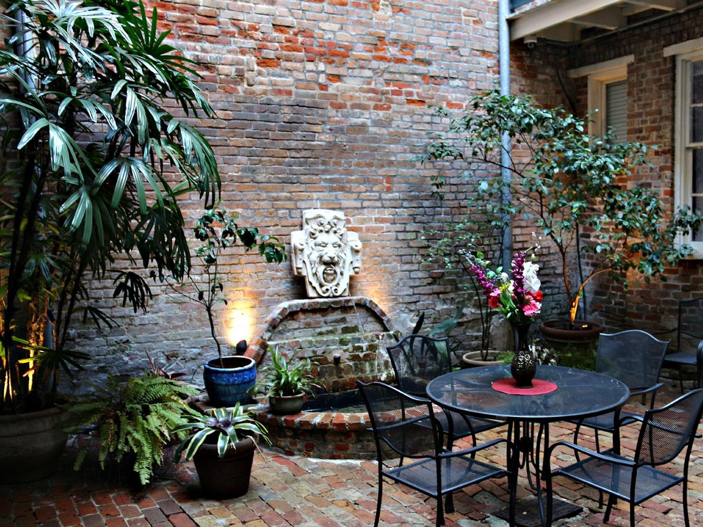 Delicieux 526MadisonCondoCourtyard. Common Area Courtyard In New Orleans Condo