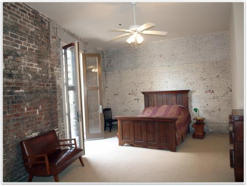 9008S.PetersMasterBedroom,WarehouseDistrict.jpg