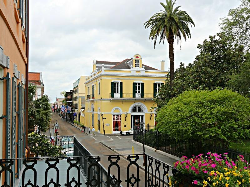 BalconyContiStreetViews.jpg