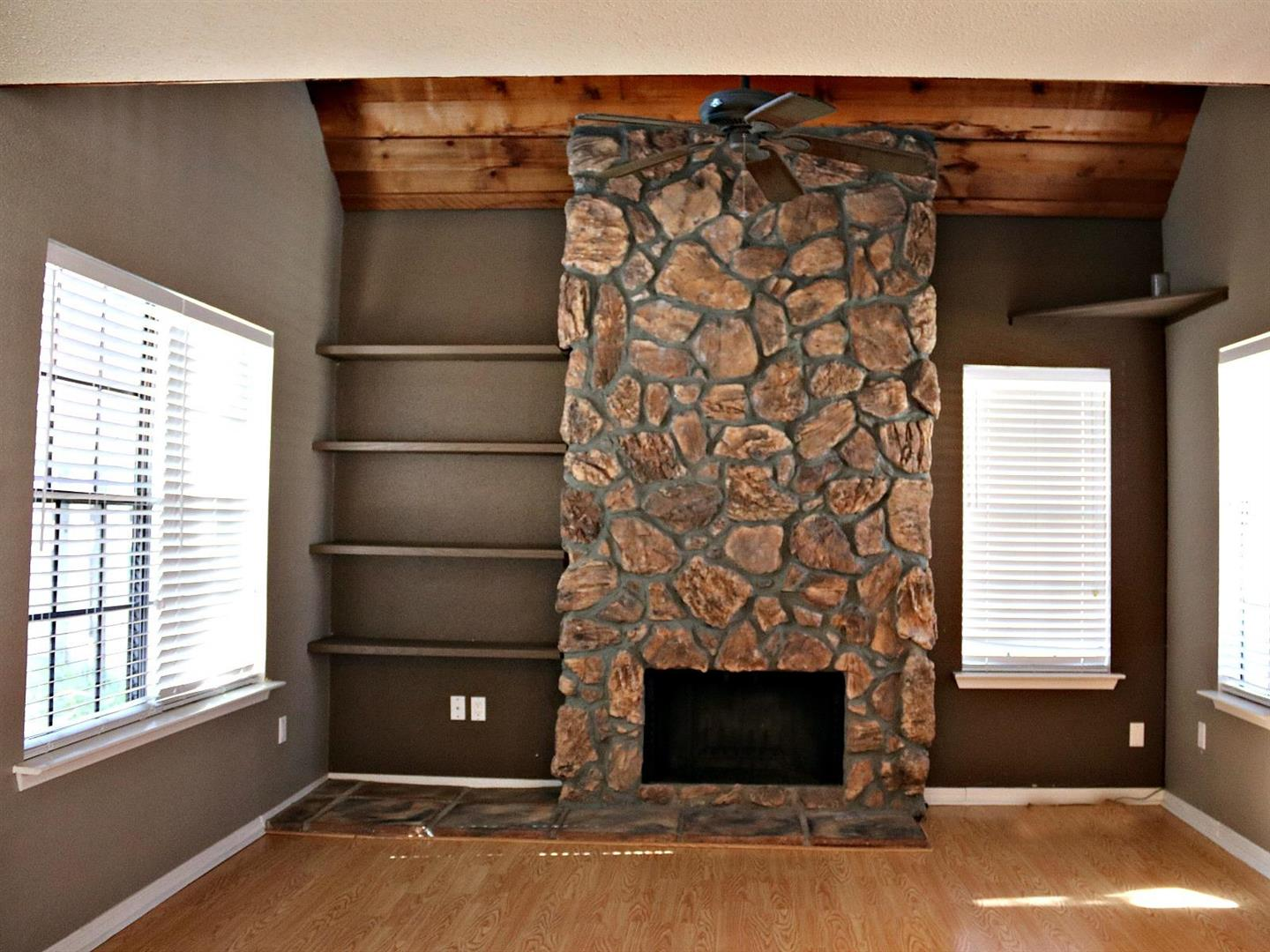BourdeauxVillageTownhomefireplace.jpg