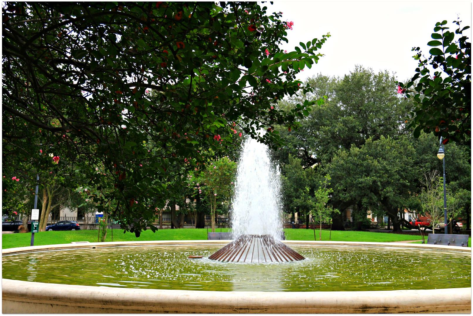 ColiseumSquareFountainLowerGardenDistrict.jpg