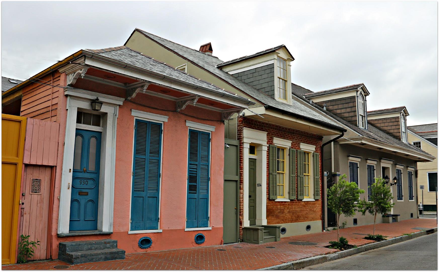 FrenchQuarterCottagesinNOLA.jpg
