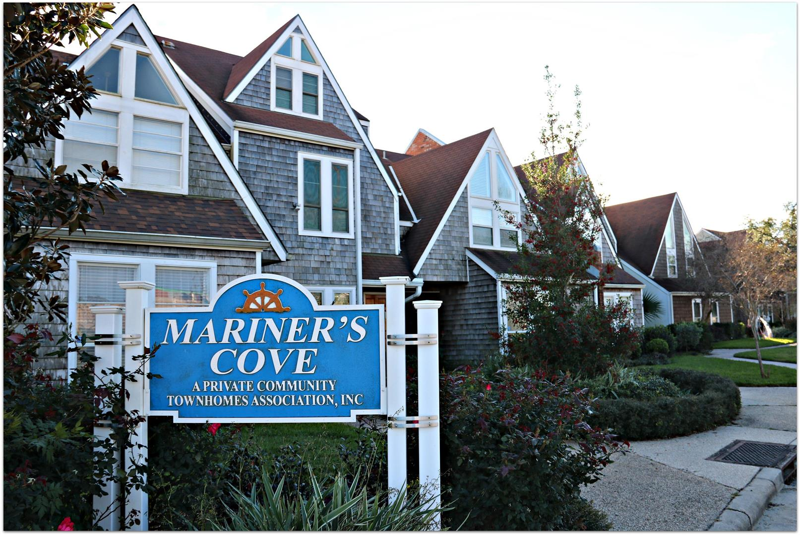 MarinersCoveTownhomes,Lakeview.jpg