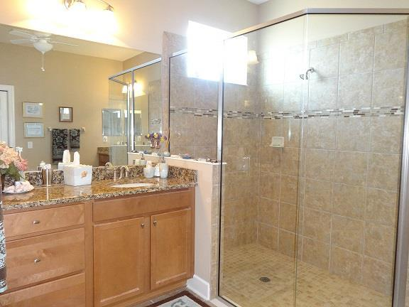 117AltesinoCt.(25)MASTERBATH.JPG