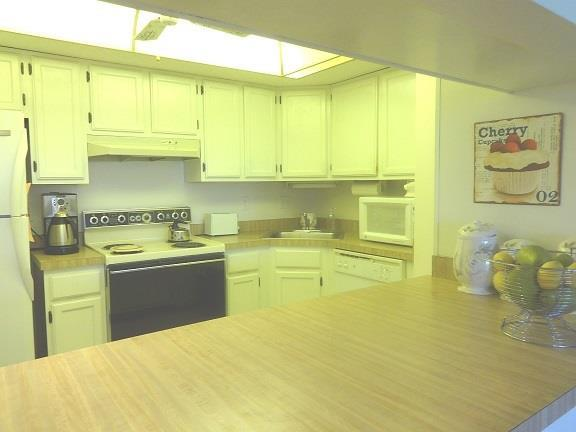 1211CAPRIISLESBLVD55KITCHEN.JPG