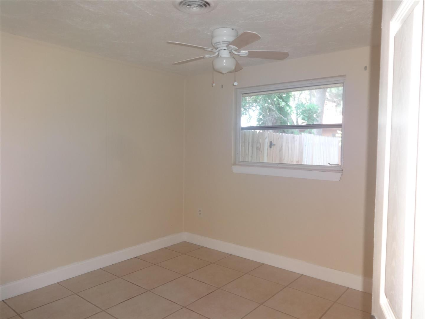 1295DevonRoadThirdBedroom.JPG