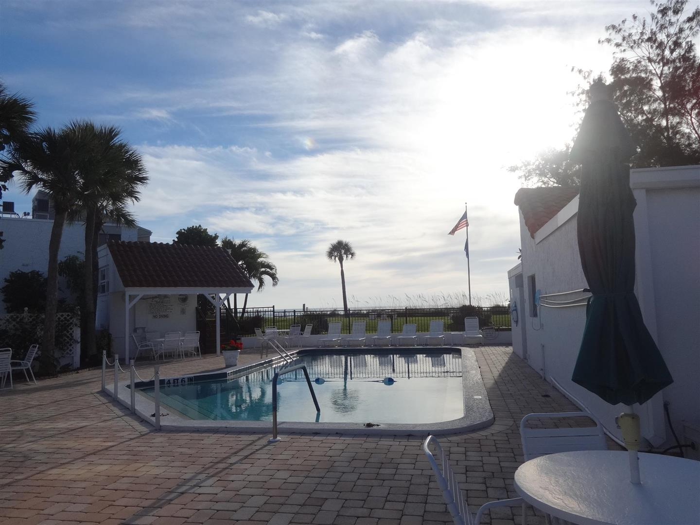 1585TarponCenter21pool.JPG
