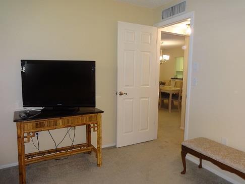 305CMissionTrl.WMasterBedroom2.JPG