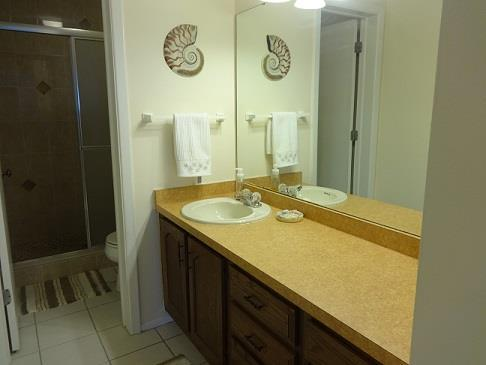 375DThreeLakesLaneMasterBathroomRESIZED.jpg
