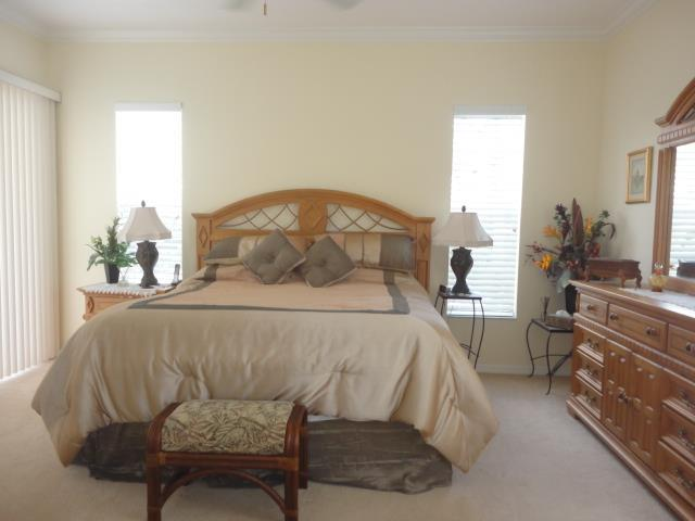 622LakesceneDrMasterBedroom.JPG