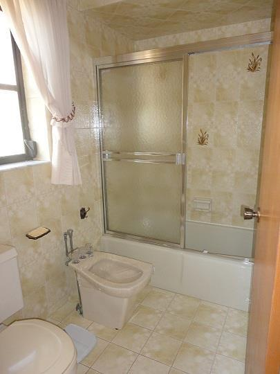 629MadridMasterBathroomRESIZED.jpg