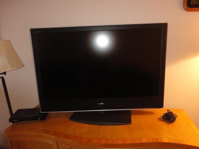 700GoldenBeach837(20)television.JPG