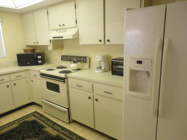 700GoldenBeachBlvd839Kitchen.JPG