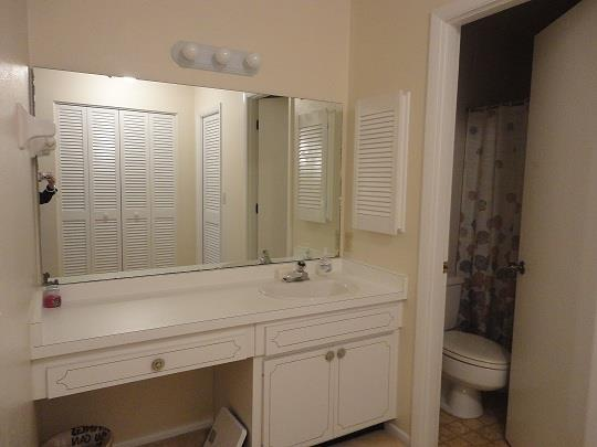 753SorrentoInletGuestBathroomRESIZED.jpg