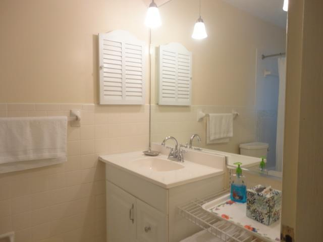 939SunsetAve.MasterBath.JPG