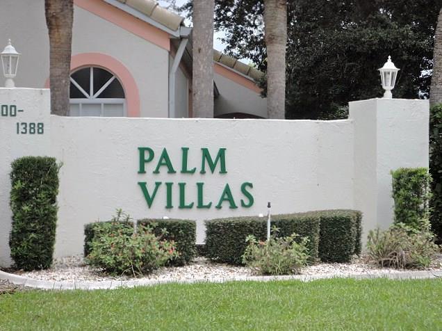 PalmVillasSign.JPG