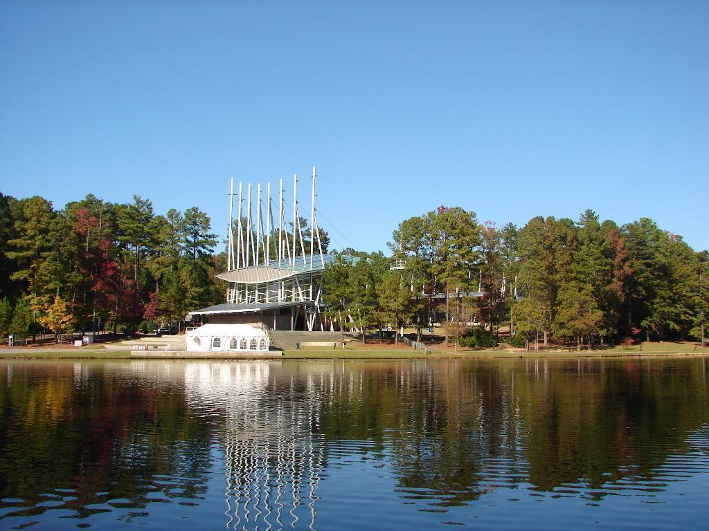 cary-Regency-Lake.JPG