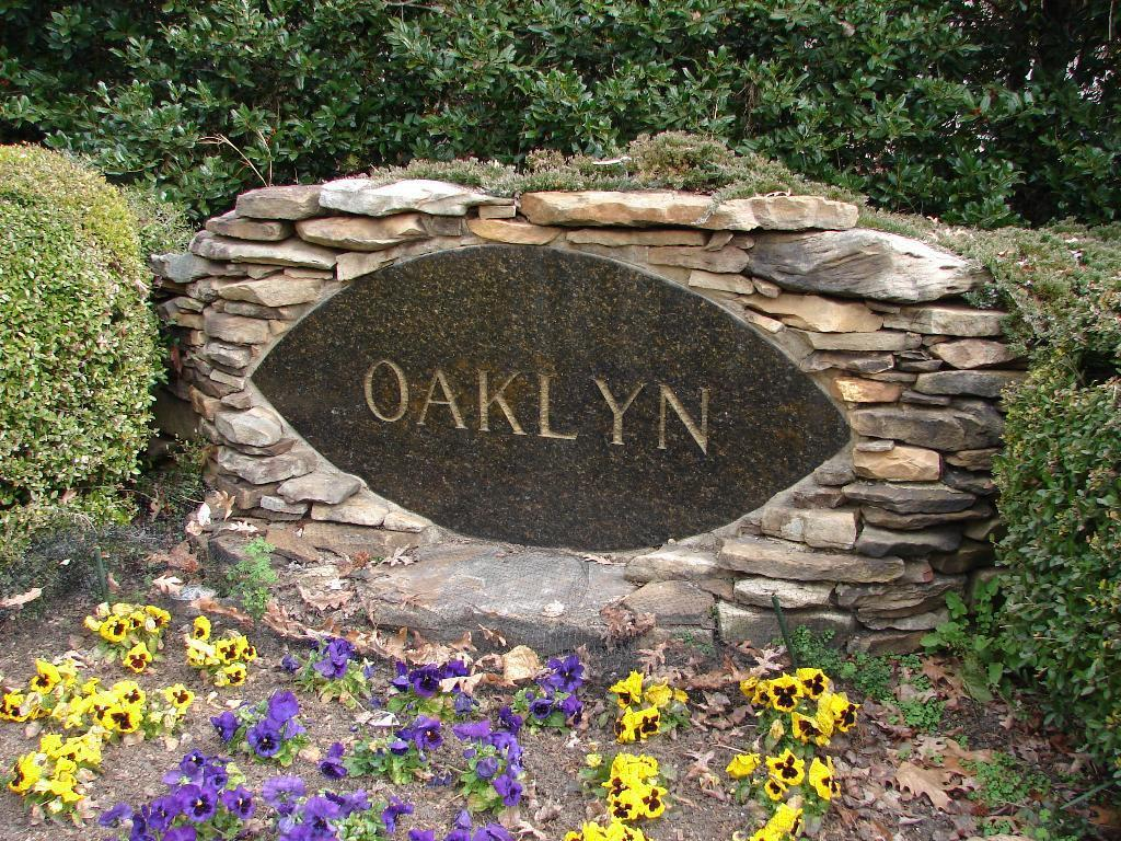 oaklyn-sign.JPG