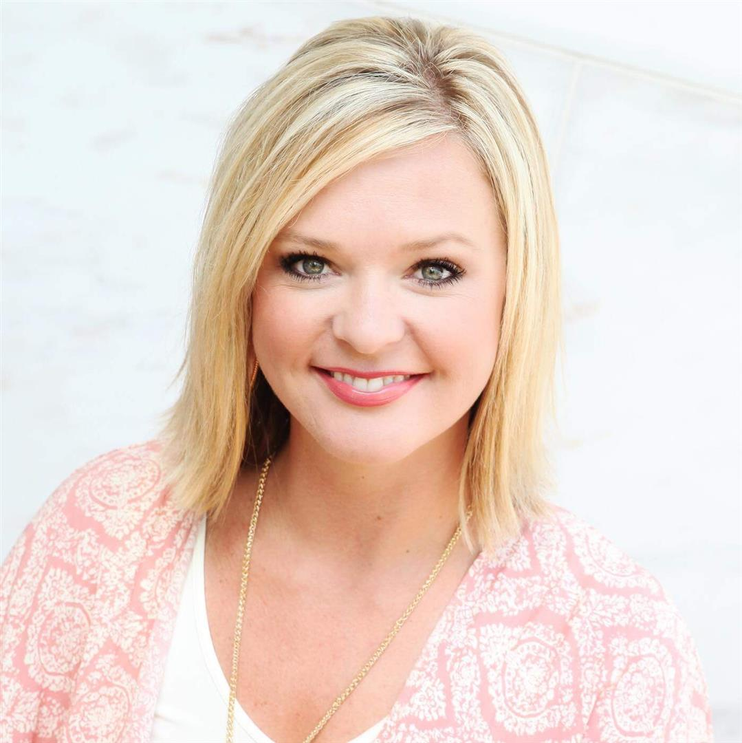 Jessica Everett, Associate. RE/MAX ONE   BEAUMONT