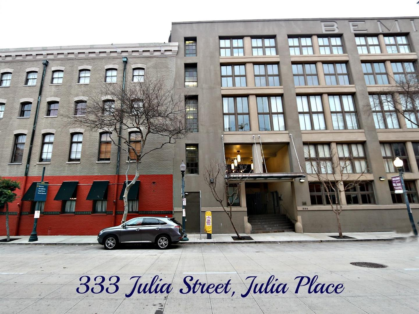 333JuliaSt.209JuliaPlaceCondos.jpg