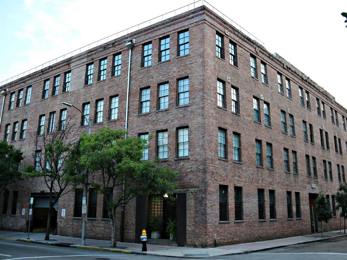 404NotreDameCondos,WarehouseDistrict.jpg