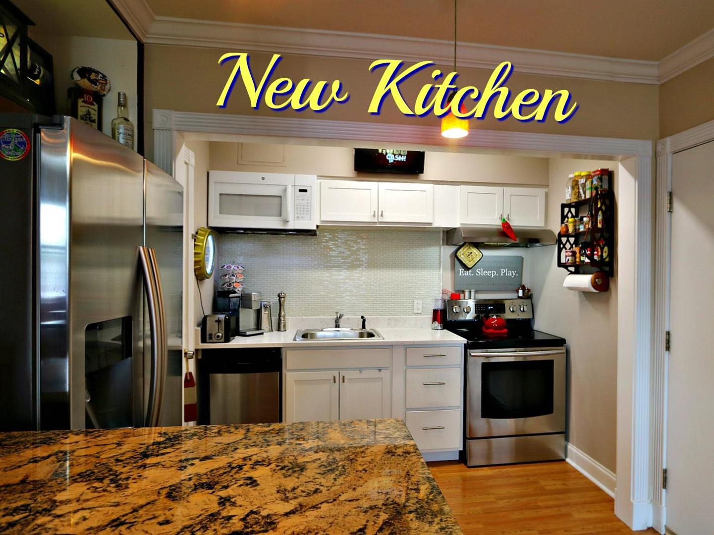 500S.JeffersonDavisPkyCondoKitchenNew.jpg