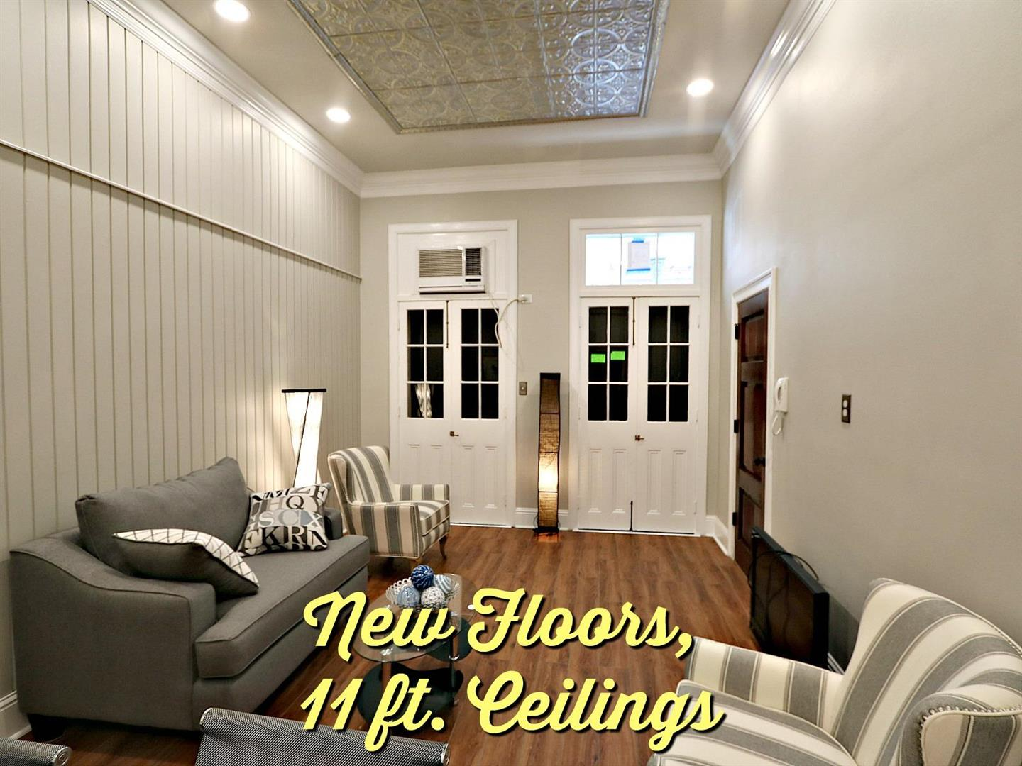 719St.AnnCondoLiving11ceilings.jpg