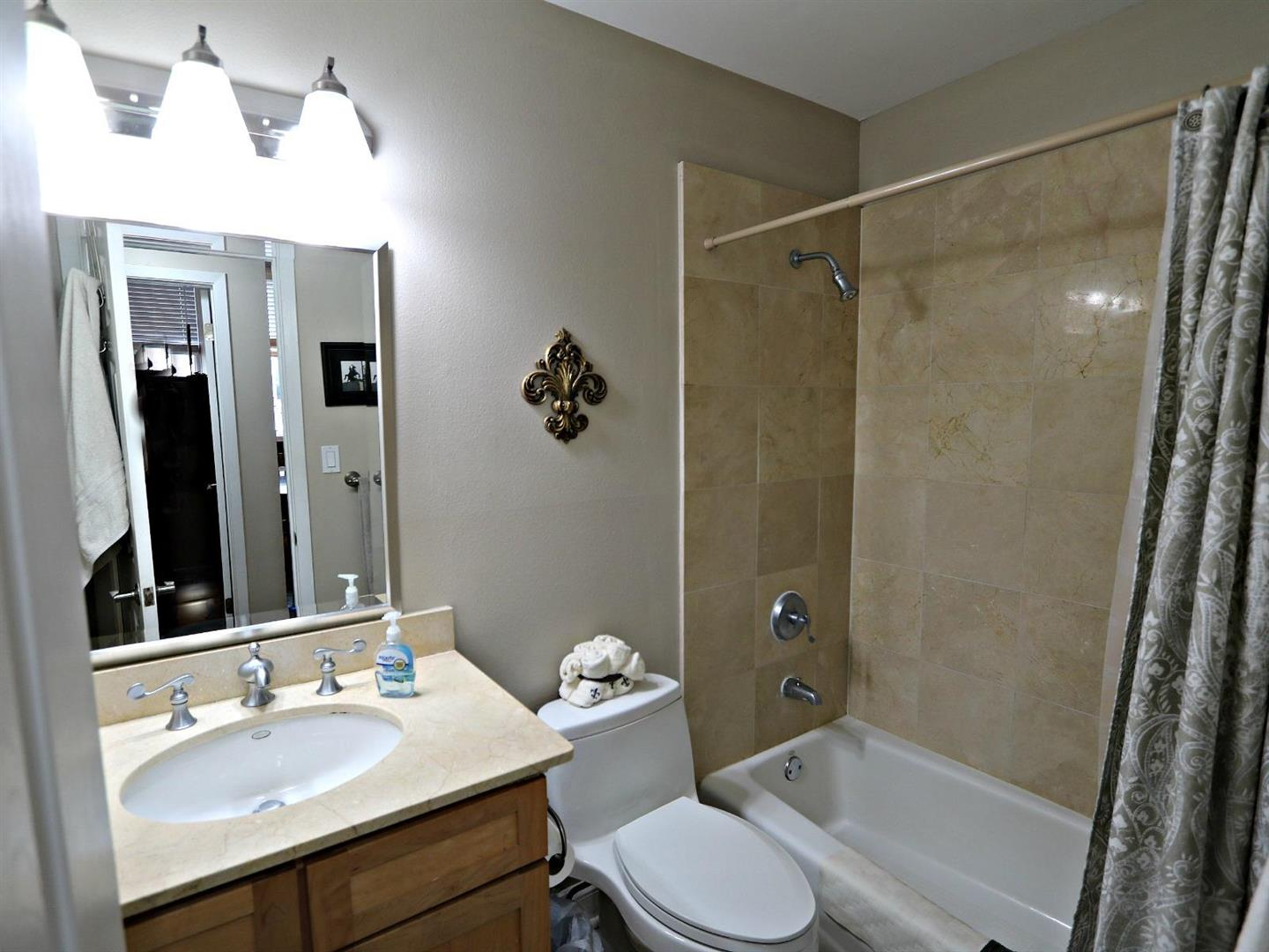 760MagazineSt.Condo211Bathroom.jpg