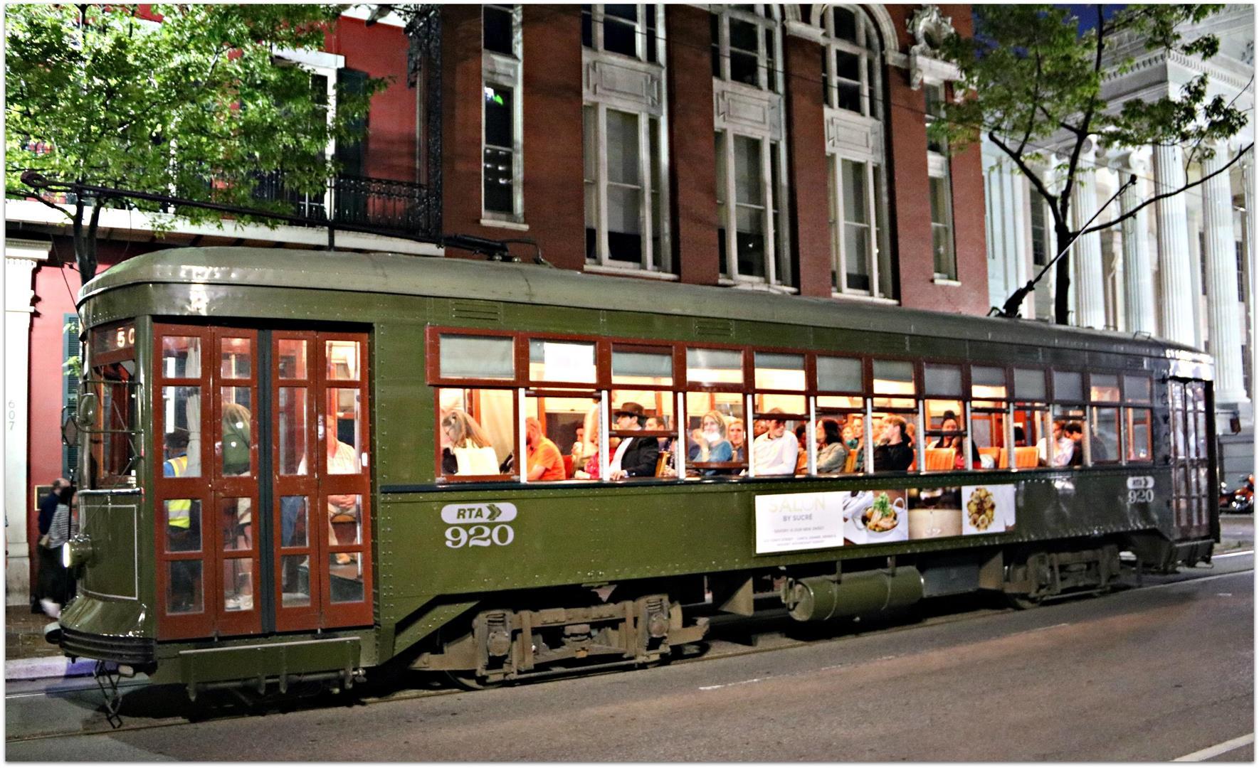 Streetcar920onSt.Charles.jpg