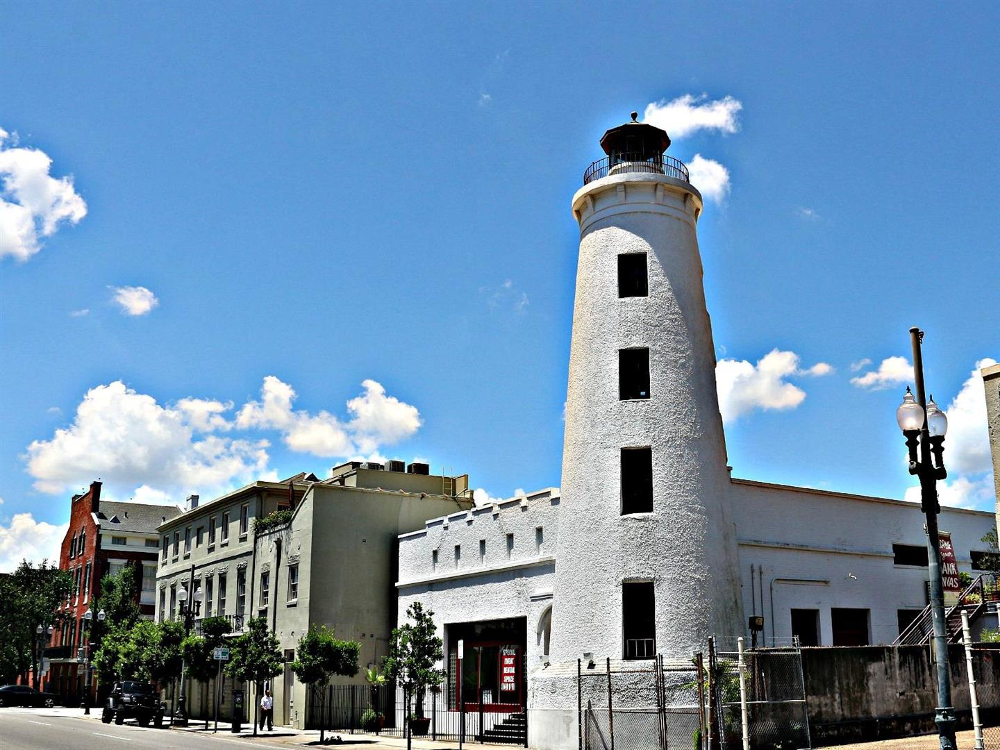 WarehouseDistrictWalking,LightHouse.jpg